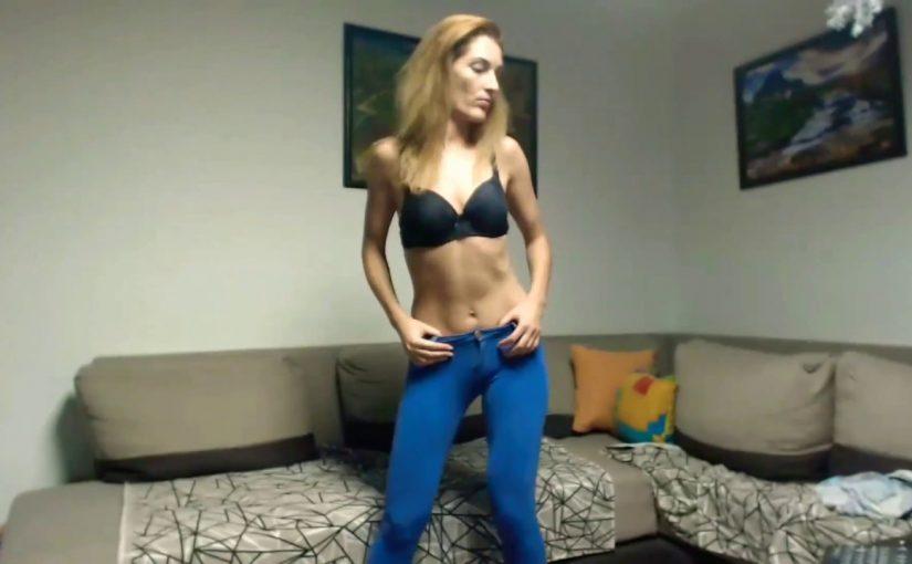 webcam girl dancing 998765