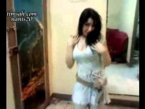 Arab girl dancing webcam